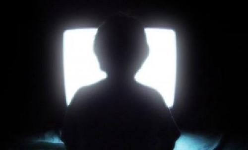 laisser-son-ecran-allume-la-nuit-augmente-le-risque-de-depression-_trt-francais-3900.jpg